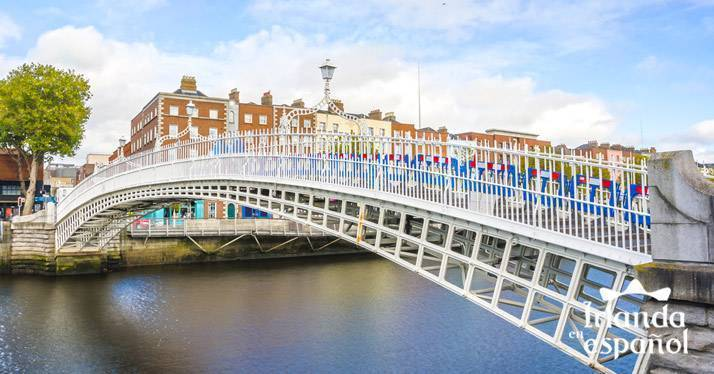 Puente Happenny Bridge en Dublin