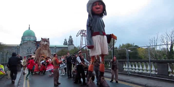 Halloween Irlanda con gigante