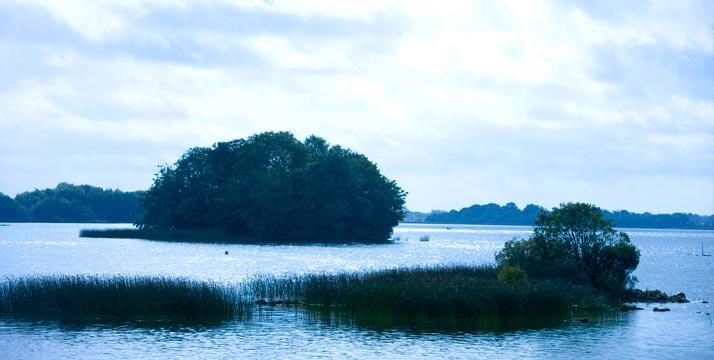 lago Ennell en Irlanda